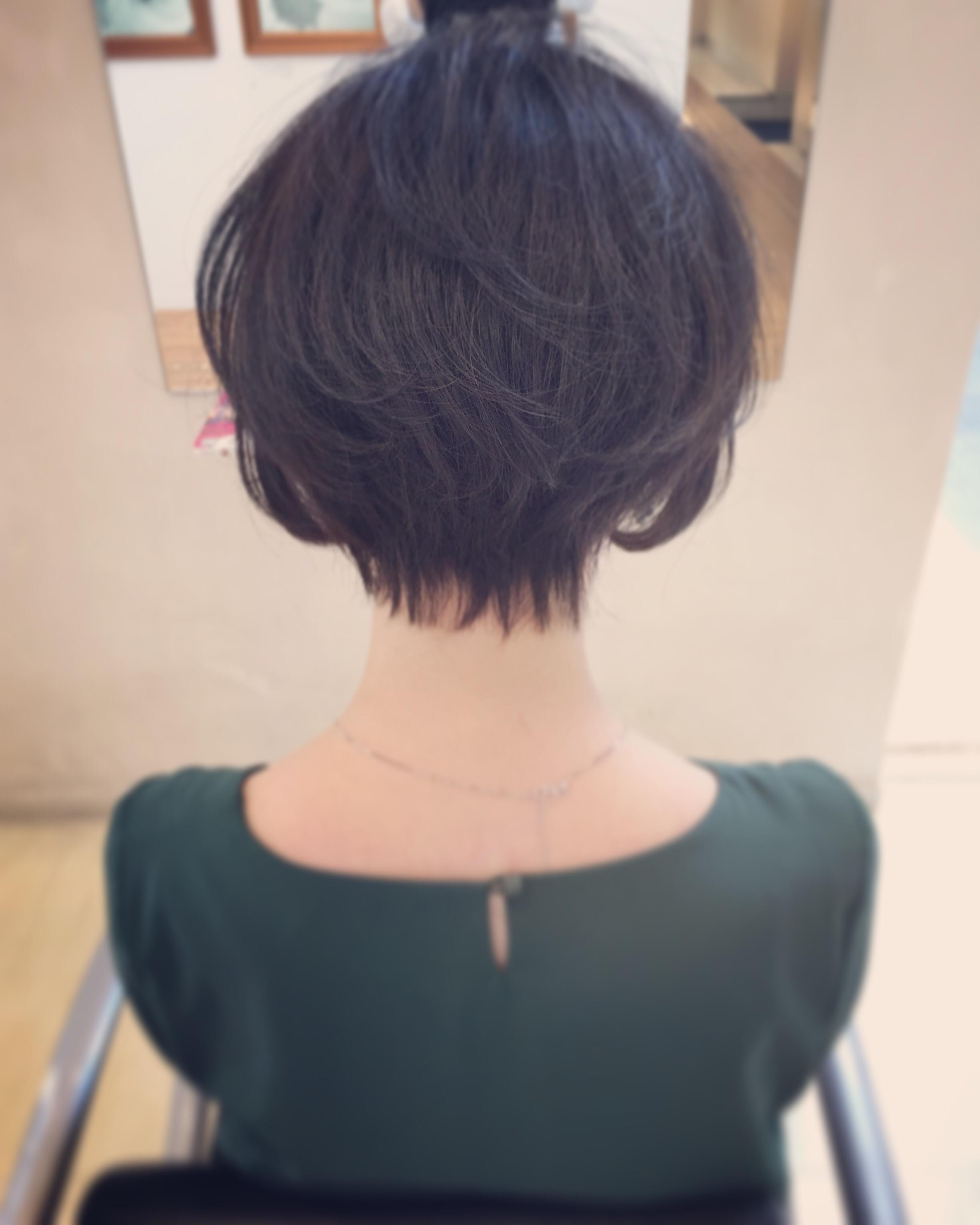 黒髪ショートは後ろ姿が超重要