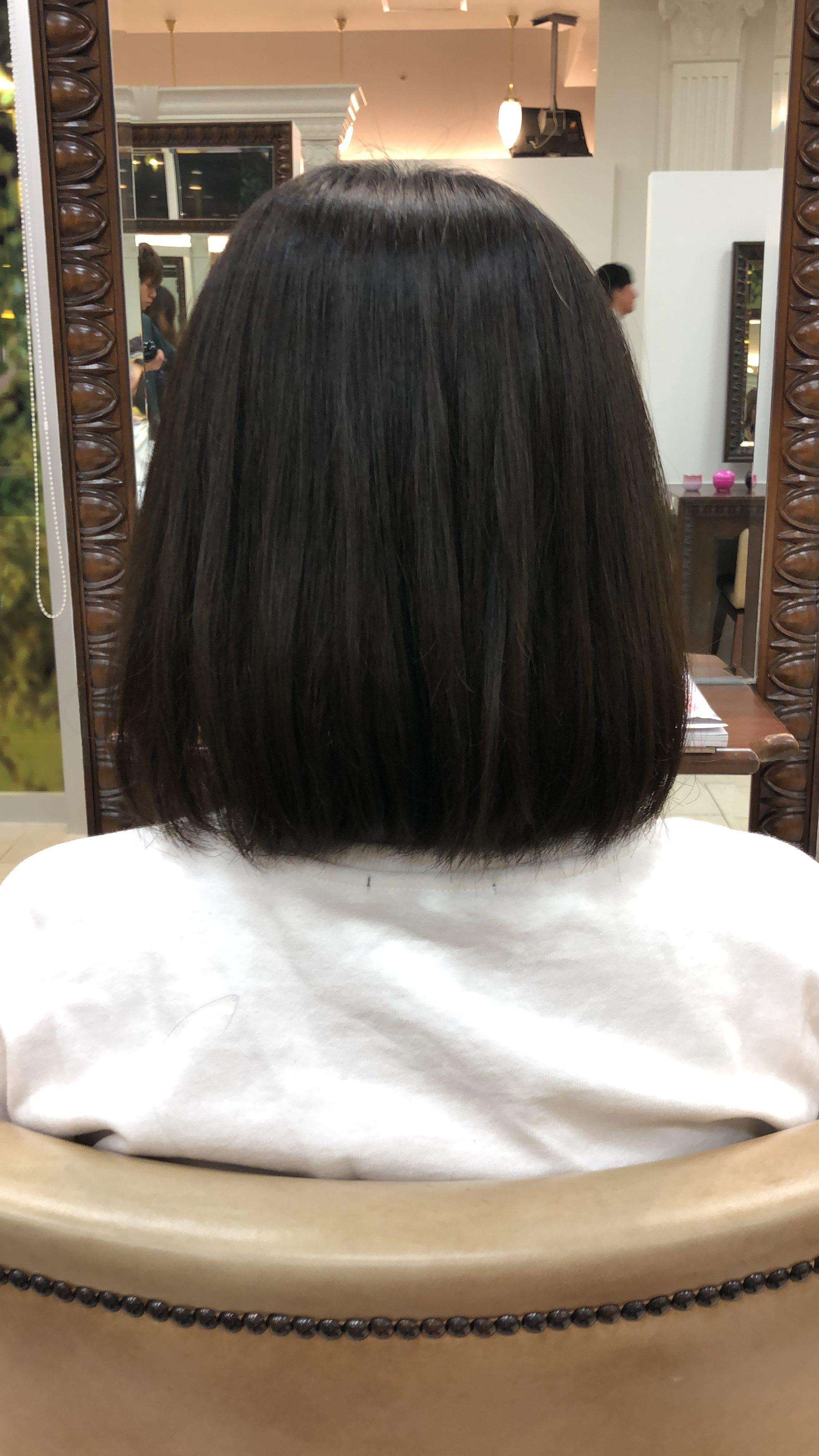 くせ毛で膨らむ髪を可愛いショートヘアに出来ますか?